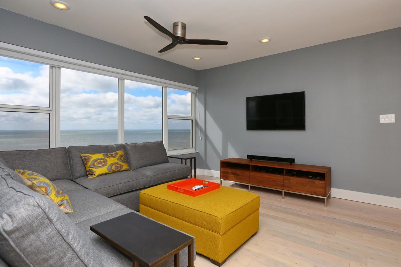 family-room-interior-design-longboat-key-towers-after-e1457405351680