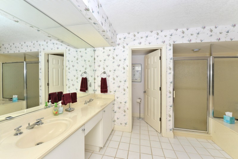master-bathroom-interior-design-winding-oaks-before-e1457385853594