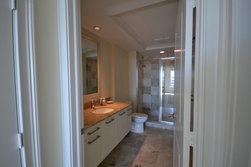 guest-bathroom-interior-design-1350-main-before-e1457407932142