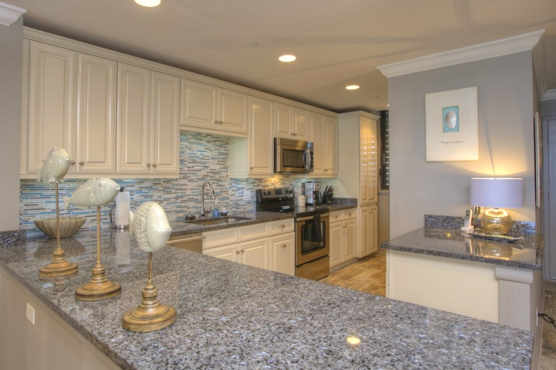 kitchen-interior-design-beachplace-after-e1457410588172
