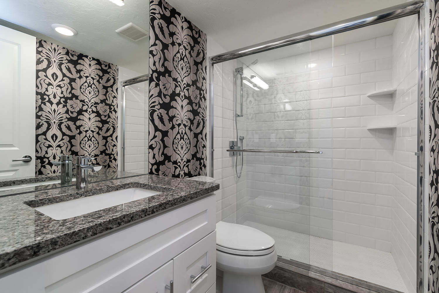 guest-bathroom-interior-design-dolphin-towers-cityside-after