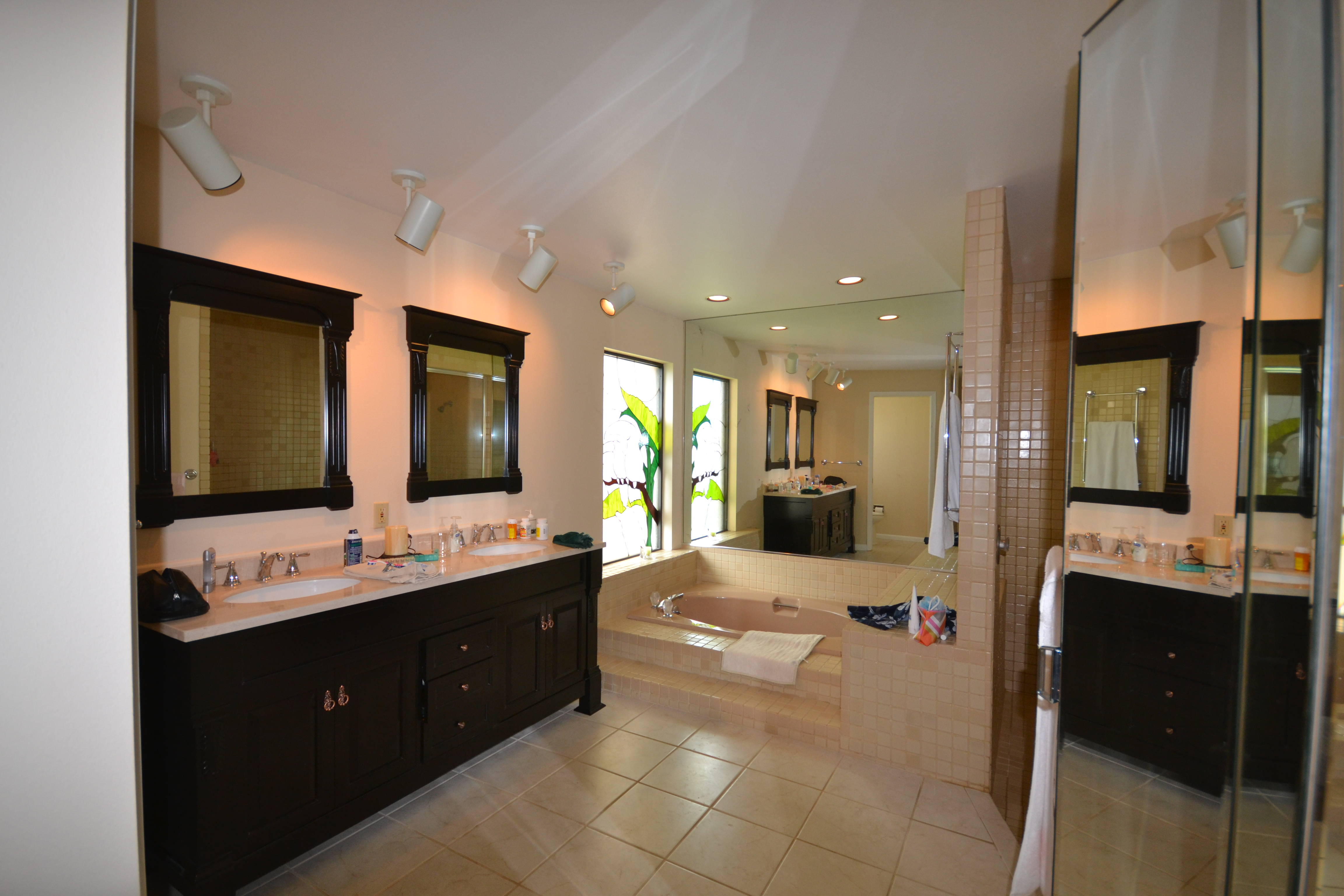 MASTER BATHROOM ROOM_INTERIOR DESIGN_SARASOTA COUNTRY CLUB_BEFORE