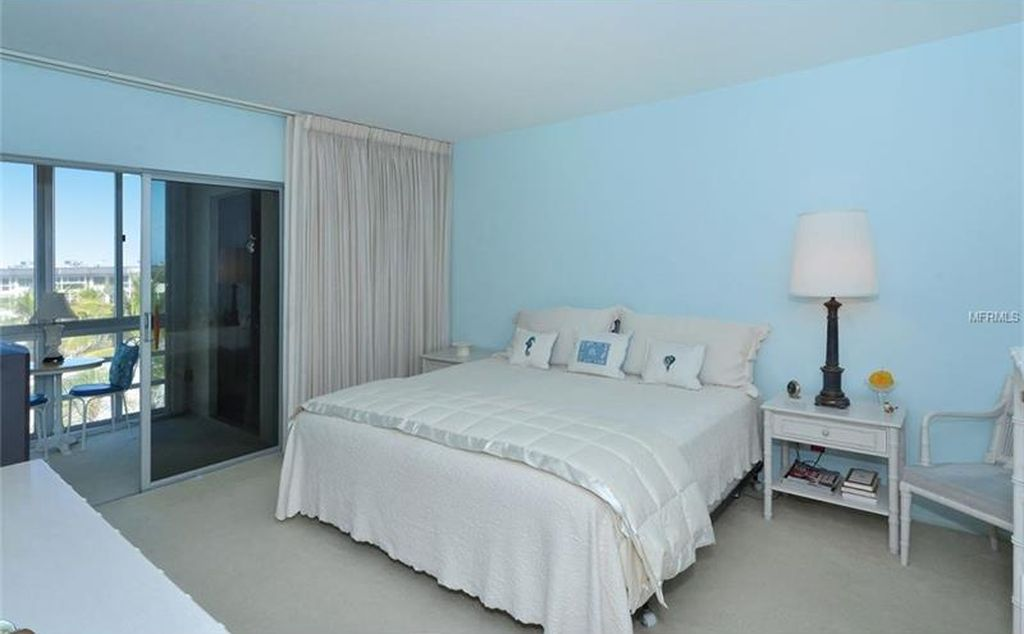 master bedroom_interior design_lido harbour south_before.JPG